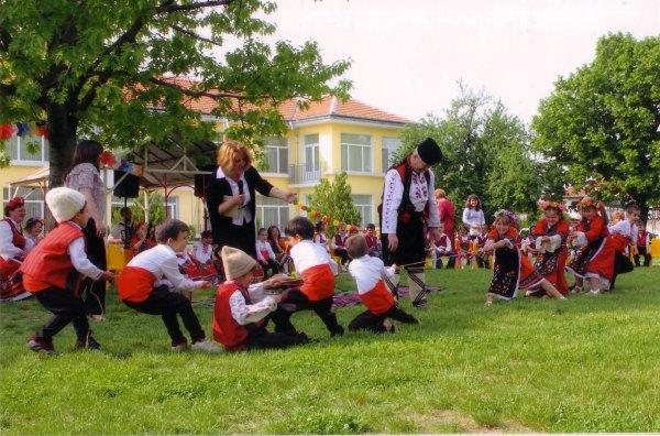 Гергьовден в Детската градина - учебна 2011-2012г.